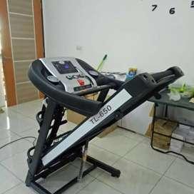 Elektrik treadmill 3 fungsi Baru dan bergaransi bisa COD