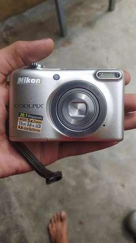 Nikon l 30 20 megapixl camera in very good condition