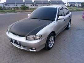 Hyunday accent 2003 .. 30jt