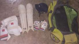 Cricket kit without bat for right hand batsman