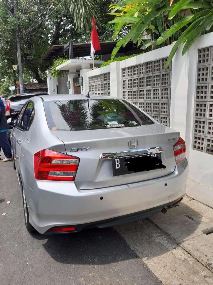 Honda city 2013/2014 tangan pertama km 28 ribu cat orisinil ibu rt