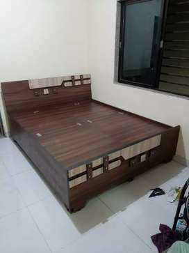 New New Boxbed Size:4*6 Rs:5999/-