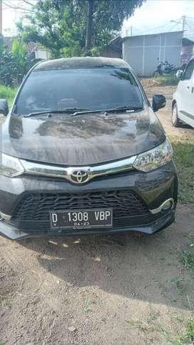 Toyota avanza veloz 1.3 tahun 2018 Km 18 ribu, warna hitam  hitam