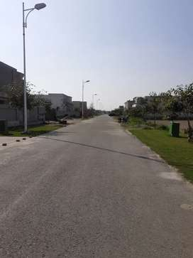 DHA PHASE 07 10 MARLA POSSESSION PLOT FOR SALE IN Y BLOCK