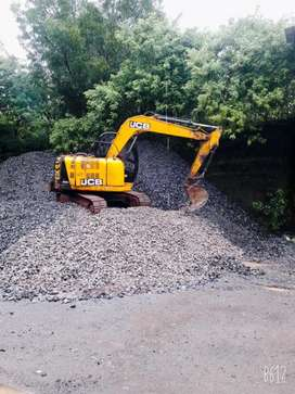 JCB. JS81. IN GOOD CONDITION, NEW CHAIN AND BUCKET