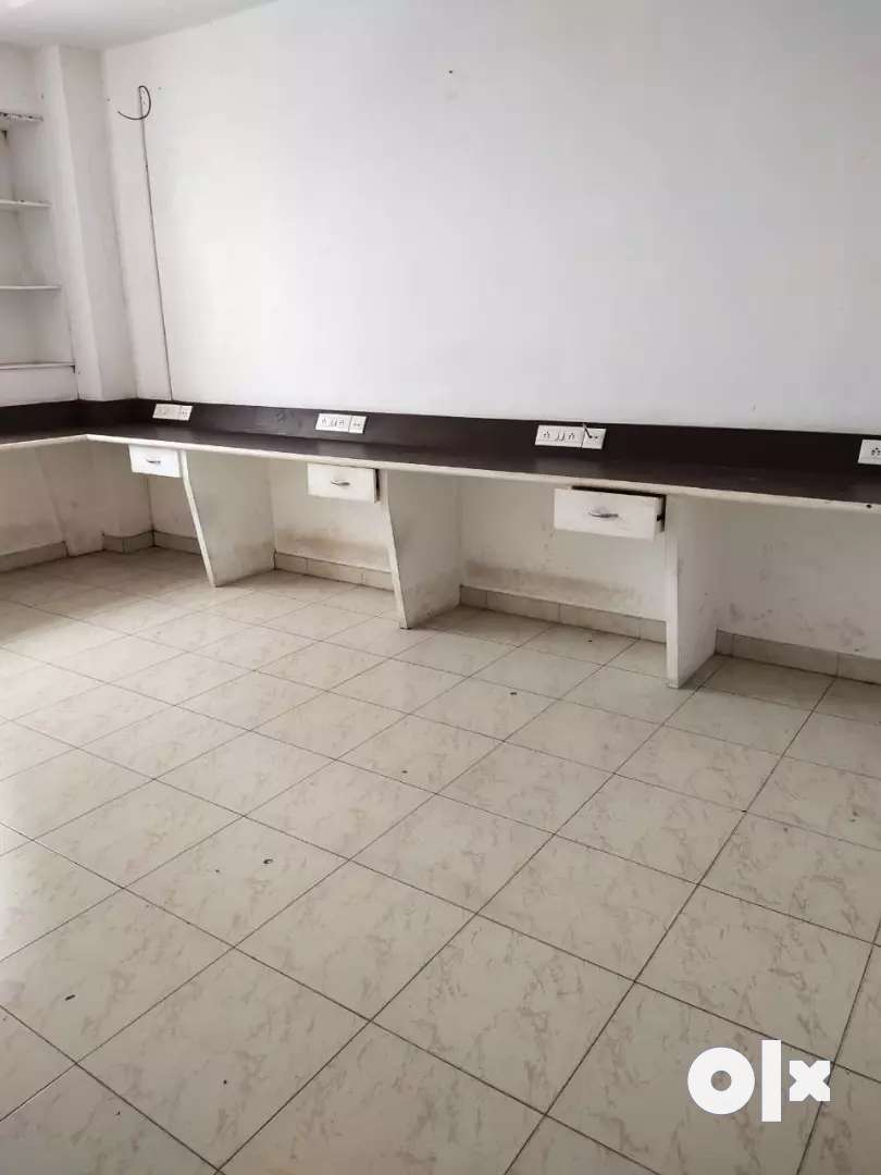 959sq.ft SEMI FURNISHED OFFICE FOR RENT 0
