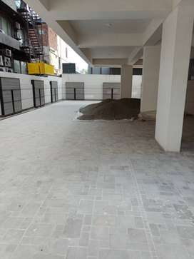 Gulberg Prime Location 4100 Sft G.F for Cafe/Saloon available on Rent
