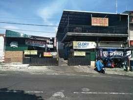"""Toko + Cafe Lokasi Di Alun Alun Kota Batu Lokasi di poros jalan Alun"""""""