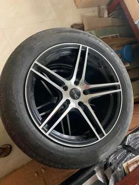 Aloy wheels with tayers for sell urgnt 17inch