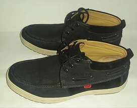 Sepatu Kickers Denim