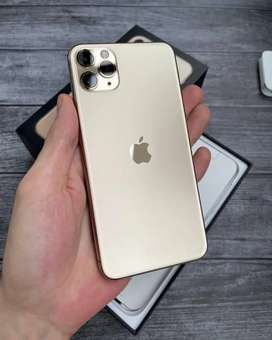 Weekend sale on iPhone refurbished with all accessories and COD