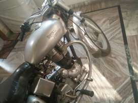 Royal Enfield Bullet 14005 Kms 2005 year