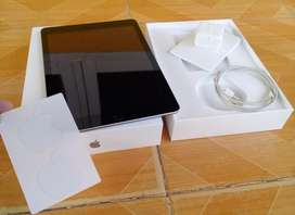 Ipad 6 wifi only 32 gb mulus like new no baret