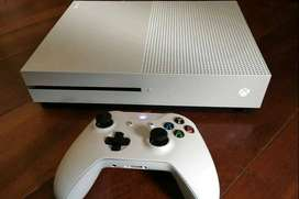 XBOX ONE S 500GB+16 Games 1 Year old But Used only 8 To 9 Times Xbox O