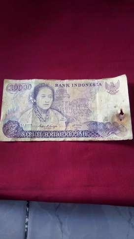 Uang kuno 10.000 rupiah tahun 1985