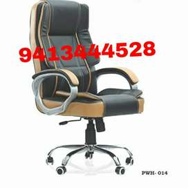 New revolving boss chair with softy form