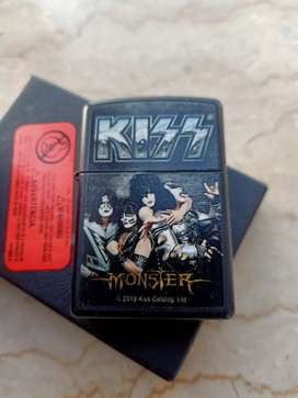 Original 100% Zippo Kiss Monster edition