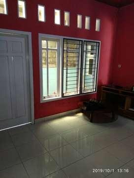 Jual rumah di komplek perumahan
