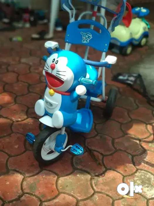 Tricycle  with Shade and back handle for kids 0