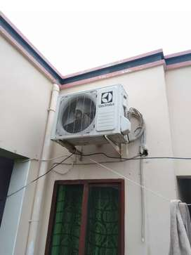 1.5 ton Electrolux non inverter ac for sale
