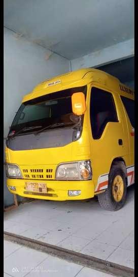 Dijual Isuzu Minibus 2012
