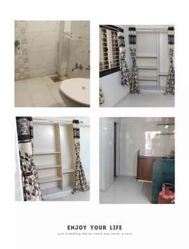 Room kitchen for medam behind reliance mall 150ft rd