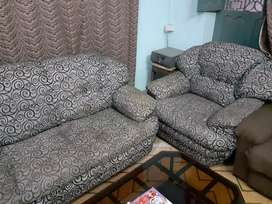 Nice looking Sofa set for Home
