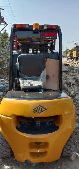 Forklifter 03 Tons (Model: 2010)