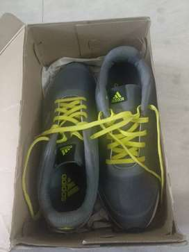 Brand New Adidas Men Grey EZAR 4.0 M Running Shoes Size 12