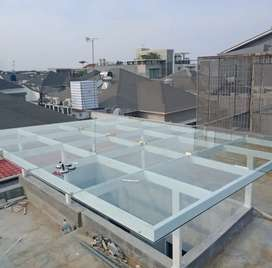 Kanopi kaca tempered dan railing stainless steel €718