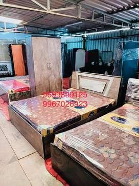 Isse Reasonable bedroom set kahin nahin