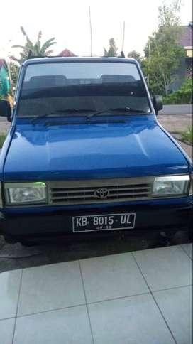 Toyota Pick up 1,5 warna biru tahun 1990