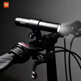 Xiaomi Mijia BEEbest Senter LED Outdoor Flashlight 1000 Lumens - FZ101