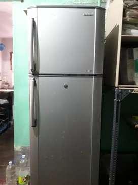 Samsung 260 litre double door refrigerator