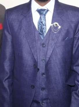 Reymond Three piece coat pent with tie