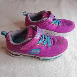 Sepatu Skechers Anak Perempuan