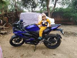 Yamaha R15 ABS