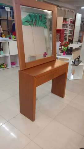 Dressing Table and with mirror