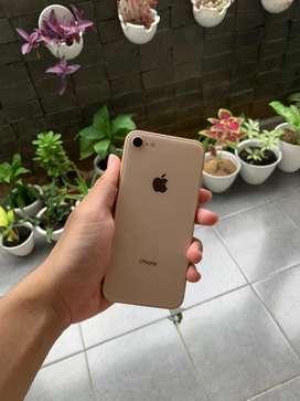 Iphone 8 64 Gb Ex Garansi Resmi iBox Indonesia
