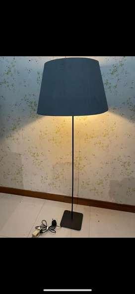 Lampu Rp 200.000