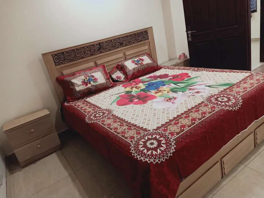 E 11 PER DAY one bed flat full furnished definitely save for rent 0