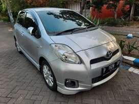 Toyota yaris E automatic 2013,,,sangat istimewa jarang pakai