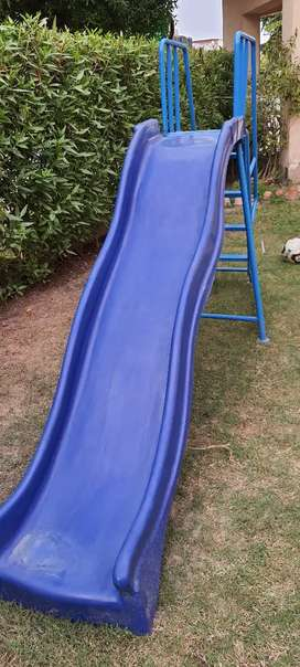Slide used just one month