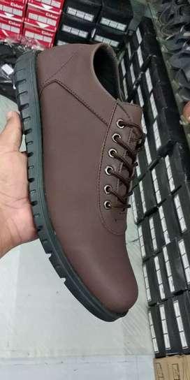 Sepatu cassuall HOM Paris Hilton(BARANG SAMPAI BARU BAYAR)