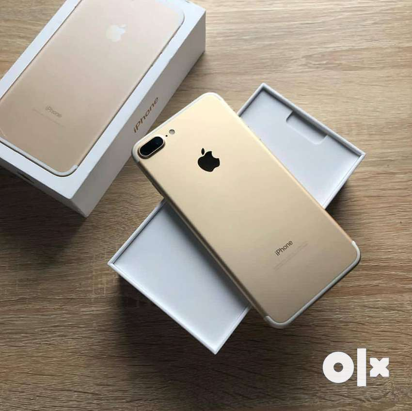 Iphone  7 plus used  refurbished  phone  charger headphone  all 0