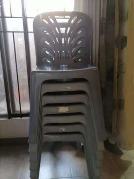 Set of 8 plastic chairs and 2 tables