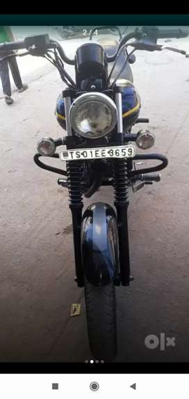 My avenger 150 Street running condition Tyres Good fixed Price