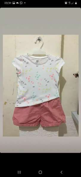 Baju H & M dan celana uniclo