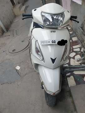Tvs Jupiter white clour good condition