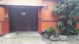 Rumah di Mojosongo Cocok untuk Keluarga Besar Dekat Taman Jayawijaya